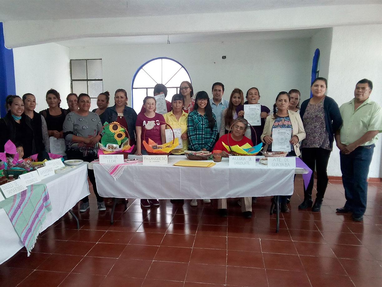 Aprenden 25 personas a elaborar diferentes tipos de pan en el IECA