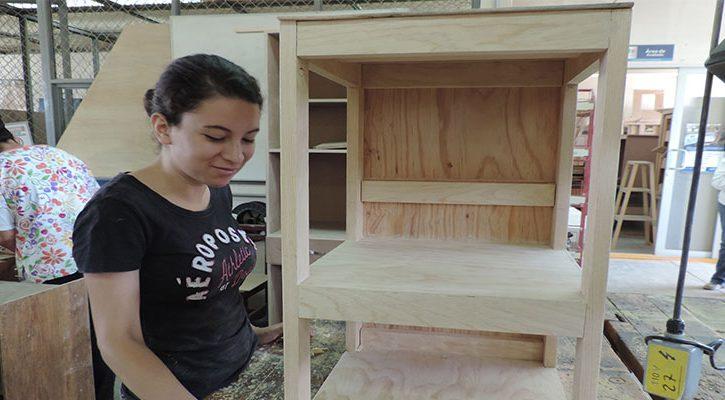 Mujeres de comunidades de Dr. Mora aprenden Carpintería básica