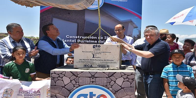 Colocan la primera piedra plantel IECA Purísima del Rincón