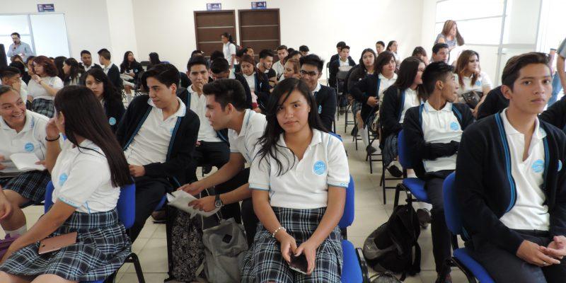 Capacitan 85 alumnos del CETAC en IECA León