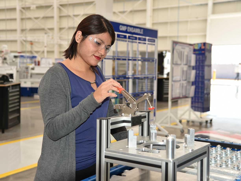 IECA y Tecnológico de León crearán la carrera en Mantenimiento Industrial